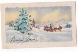 BONNE ANNEE - PTE CARTE COULEUR 9.8 X 6 - PERSONNAGES DANS LA NEIGE AVEC TRAINEAU ET CHEVAL - VOYAGEE - New Year