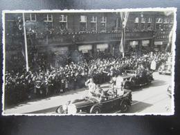 Postkarte Fotokarte Hitler Mit Leibstandarte - Hamburg?? - Erhaltung I-II - Deutschland