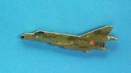 1 PIN'S //  ** AVION DE CHASSE / SUPER ETENDARD / MARINE NATIONALE FRANÇAISE / DEPUIS 1978 ** . (J.Y.Ségalen Collection) - Militaria