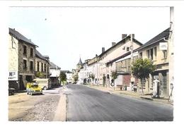 D 63    BOURG LASTIC  La Rue Principale   (Station Service  Pompe Essence Voitures)) - Frankreich