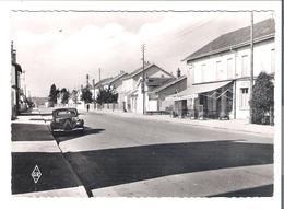 D 88  THAON LES VOSGES  La Rue De Lorraine   (Pompes à Essence Voiture) - Thaon Les Vosges