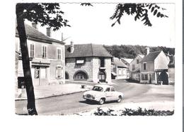 D 91    BOUTIGNY Sur ESSONNES  Place Charles Baudoin   (Voiture) - France
