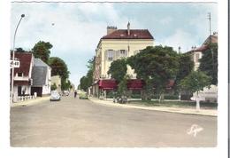 D 92    SAINT CLOUD   Place Magenta  (Voitures) - Saint Cloud