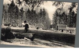 Cpa 35 En Bretagne Fougères En Forêt Le Rond Point Déstockage à Saisir - Fougeres