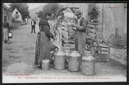 CPA 12 - Roquefort, La Récolte Du Lait Pour La Fabrication De Fromages De Roquefort - Roquefort