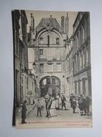 PARIS (4e) Rue Bretonvilliers. Restes De L'Hotel Du Même Nom - France