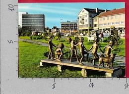 CARTOLINA VG NORVEGIA - NARVIK - Playing Children In The Park - King's Street - 10 X 15 - ANN. 1977 - Norvegia