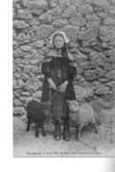 OUESSANT Jeune Fille De L'île Les Moutons D'Ouessant - Ouessant