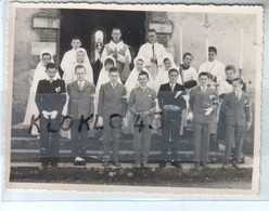 89 Champcevrais ( Yonne ) -  Photo Des Communiants Communiantes Devant Les Marches De L'Eglise - Juin 1956 - Autres Communes