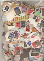 Great Britain Kiloware  500g  With Pre Decimal And The Odd Foreign  Included - Briefmarken