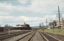 Richmond Québec Canada - CNR Railway Station Gare - By P.E. Genest Sherbrooke - 2 Scans - Quebec