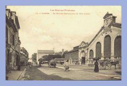 CPA - Les Hautes Pyrérénées - Tarbes (65) - 75. Le Marché Brauhauban Et Rue Larrey - Tarbes