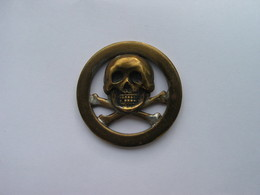 Insgne Tete De Mort , Origine à Déterminer. - Militaria
