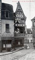03 -  Moulins Un Coin Du Vieux Moulins - Moulins