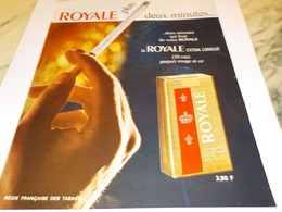 ANCIENNE PUBLICITE PLUS 2 MINUTES CIGARETTES ROYALE LONGUE  1968 - Tabac (objets Liés)