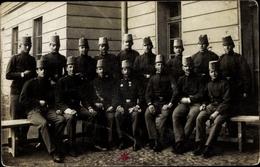 Photo Cp Kuk Soldaten In Uniformen, Gruppenportrait - Militari