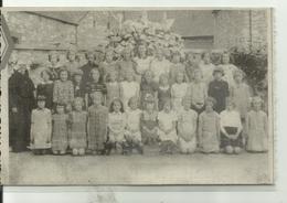 BIOUL  Classe Primaire De 1943 Avec Soeur Maria Cour De L' école à Bioul ( Carte Plastifiée) - Anhée
