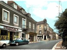 CPM* N°1578 - LAPALISSE - R.N. N°7 ET HOTEL DE FRANCE - Lapalisse