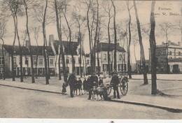 Furnes ,( Veurne ),    Place St. Denis , Attelage - Chien  ( 4-11-1914 ) - Veurne