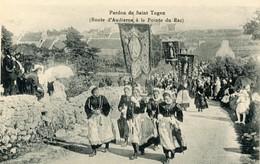 Cpa Pardon De Saint Tugen (29) Route D'Audierne à La Pointe Du Raz - France