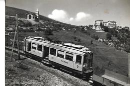 ITALIE   MOTTARONE Gros Plan Locomotive Train  église Montagne Châlets - Autres