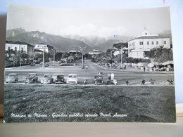 1961 - Marina Di Massa  - Auto Maggiolino VW - Fiat 1100 E Giardinetta - Hotel Tirreno - Vigile Urbano - Vespa Piaggio - Massa