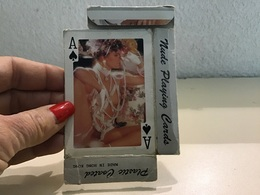 Boite Vides De Carte Jouer Femmes Nues Années 70 Seins Nue Hong Kong - Cartes à Jouer Classiques