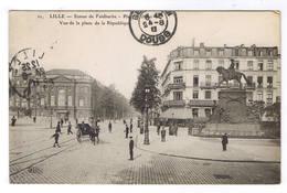 LILLE  STATUE DE FAIDHERBE VUE DE LA PLACE D LA REPUBLIQUE - Lille