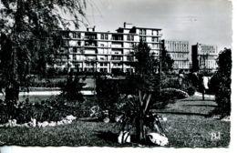 N°69524 -cpsm L E Havre -le Jardin St Roch Et Les Nouveaux Immeubles- - Square Saint-Roch