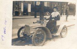 """Cpa """" Voiture Ancienne """" ( Femmes / Enfant ), écrite En 1905 - Voitures De Tourisme"""
