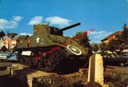 Place Général Mac-Auliffe Avec Le Tank - Bastogne - Bastenaken