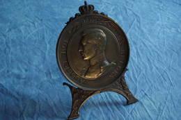 5/ Médaille Medal 16,5 Cm Bronze King Albert Roi Des Belges 1919 Graveur Samuel  Au Bénéfice Des Mutilés + Son Support - 1914-18