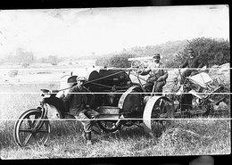 MOISSONNEUSE BATTEUSE A OLIVET DANS LE LOIRET   RARE    TRAITS ANTI COPIE - Tracteurs