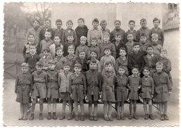 Photo D' Ecole Non Localisée  - Année Scolaire 1956-57 - Classe De 3°   (111634) - Personnes Anonymes