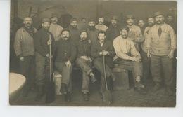 GUERRE 1914-18 - DUNKERQUE - Belle Carte Photo Portrait Militaires Chargés De La Torréfaction Du Café - Guerra 1914-18