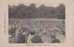 """CPA Guerre 1914 - 1918 """"Poilu's Park"""" - En Attendant Le Concert - Guerre 1914-18"""