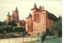 CPM Neuve.Collonges La Rouge .Le Château De Vassignac Et L'Eglise.ed Geb - France