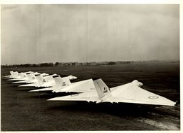AVRO  VULCAN I MODIFIED WING    21 * 17 CM  Aviation, AIRPLAIN, AVION AIRCRAFT - Aviación