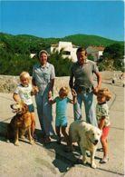 CPM Zomervakantie 1974,Prinselijk Gezin DUTCH ROYALTY (797970) - Familles Royales