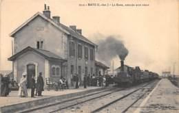 44 - Loire Atlantique / 443034 - Batz - La Gare - Arrivée D'un Train - Beau Cliché - Francia