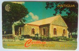 18CARF St George's Anglican EC$20 With Slash - Antigua En Barbuda