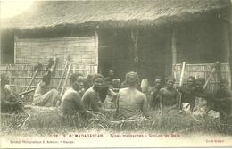 TYPES MALGACHES GROUPE DE  BARA ETHNIE MADAGASCAR COLLECTION BODEMER MAJUNGA - Madagascar