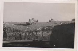 Photo Militaire  1941 Force Francaise Libre Quastina Palestine Camp Chars - Guerre 1939-45