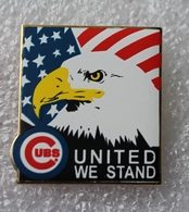 Pin's Baseball Cubs De Chicago United We Stand . Aigle . 27X29 Mm . Superbe Egf . émail Grand Feu - Baseball