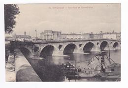 31 Toulouse N°75 Pont Neuf Et Cours Dillon Bateaux Ou Barges Carte Non Voyagé - Toulouse