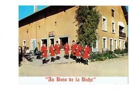 Cpm - 25 Le Boulois Par Charquemont - Bar Restaurant Au Bois De La Biche - GROUPE Chasseurs Cor Chasse à Courre - France
