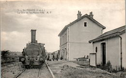 STE-MAURE - Gare De Ste-Maure-Ville The Train Station Locomotive - INDRE-ET-LOIRE N°5 Dos Vert Superbe.Etat - France