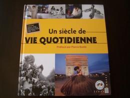 Le Livre Des Timbres Un Siécle De Vie Quotidienne - Documents Of Postal Services
