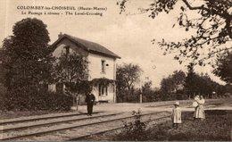 CPA RARE COLOMBEY LES CHOISEUL LE PASSAGE A NIVEAU - Frankrijk