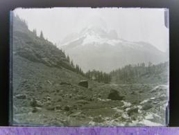 Ancienne Photographie Photo Négatif Sur Verre Argentière Aiguille Verte Près Salvan Gietroz Chamonix Finhaut Vallorcine - Glasdias